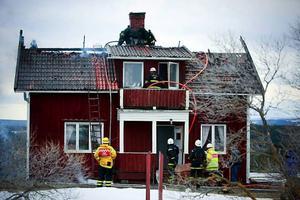 Huset fick stora skador. Foto: Olof Sjödin
