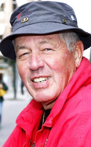 Lennart Nilsson, 72 år, Östersund:      – Ja, nästan. Det är nog statens finanser som avgör i riksdagsvalet. I kommun- och landstingsvalet avgör sjukvården, äldreomsorgen och arbetstillfällena.