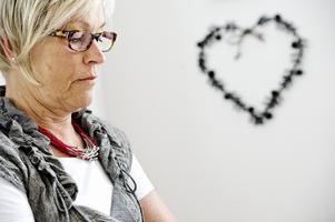 Ingen lyssnade. Ulla-Beth Jalsborn misstänkte att hon hade cancer i ryggen men fick inget gehör på vårdcentralen. I dag är händelsen anmäld till Socialstyrelsen och Ulla-Beth vill berätta om problemen i vården och känslan av att inte bli trodd.