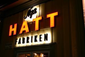 På lördag öppnar nya utestället Hattfabriken.