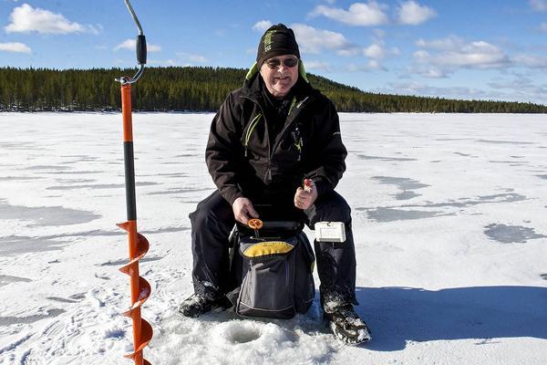 Loe, Lars-Olov Eriksson, tycker om att pimpla men ännu mer tycker han om att hjälpa fiskeintresserade ungdomar och att få ungdomar att bli intresserade av fiske. Han har hjälpt över 20 unga till meriter på SM-nivå när det gäller fiske.
