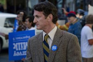 """Sean Penn förtjänar sin Oscar för bästa manliga huvudroll i """"Milk"""".Foto: Phil BrayPhil Bray"""