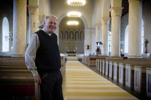 I Gustaf Åhmans regi står kyrkans dörrar alltid öppna.