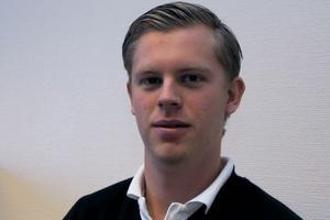 Dennis Pettersson är teknisk chef. Han berättar att de själva har skapat både hemsidan och formuläret man fyller i via nätet.