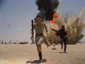 Daisey Ridley och John Boyega spelar två av huvudrollerna i