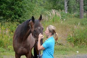 Caroline Åkerlund vann i V75-debuten med Västerbo Collect, en av två segrar hästen har tagit under 2014.