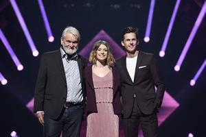 Programledartrion Hasse Andersson, Clara Henry och David Lindgren inför Melodifestivalens tredje deltävling.