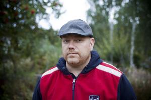 Eric Jansson kämpar för att de misstag som begåtts under behandlingen av hans mamma Agneta ska granskas.