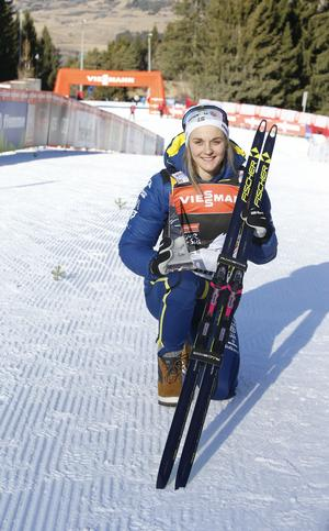 Stina Nilsson kom på tredje plats i söndagens 9 km jaktstart i Tour de Ski i Val de Fiemme.