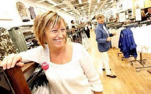 -- Rean har gått bra. det är ungefär som ifjol, säger Eva Olofsson, butikschef Indiska. FOTO: TOMAS NYBERG