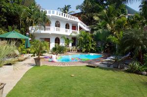 Sofia Berggrens och maken Hardip Pauls bed & breakfast i indiska Goa har fått flera priser.