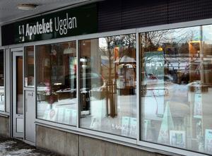 Apoteket i Ånge ligger nära vårdcentralen kan nästa sommar få en privat ägare om apoteksmarknaden avregleras.