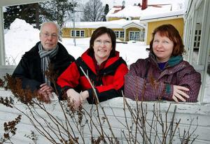 Här är gänget som tillsammans med företagarna i Föllinge med omnejd ska dra igång ett nytt hälsocenter i före detta Hälsoinvest lokaler. Från vänster projektledaren Birger Backlund, företagssamordnaren Carina Thunström och ordföranden i företagarföreningen, Lee Svensson.