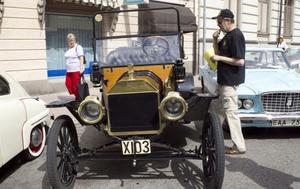 T-forden från 1914 var den äldsta bilen som visades upp på Storgatan.