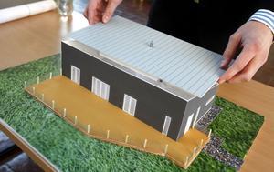 källarlöst. En enplansvilla med liggande träplanel och öppen planlösning i främre delen av huset som vätter mot vattnet. Den modellen har byggnadsingenjörsstudenterna Christoffer Östlund, Kristin Skaar, Johan Turesson och Jim Tärnåsen skapat.