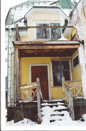 En veranda före påbörjad renovering.