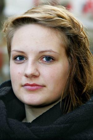 Karolina Johansson,18 år, Oviken:– Nej inte alls, jag litar på äldreomsorgen. Jag har inte haft någon dålig erfarenhet.