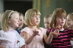 Eleverna bjöd på skönsång den sista skoldagen