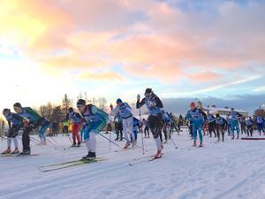 Nypremiären av Föllingeloppet lockade många deltagare.