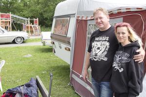 Nygifta. Morgan och June Larsen från Norge är här för fjärde året.