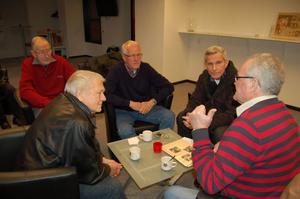 Mats Lind, Åke Elfvendahl, Gösta Caris, Hans Böhlmark och Börje Nordwall turades om att berätta.