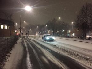 Vid 16-tiden på tisdagseftermiddagen kom snön till Västerås.