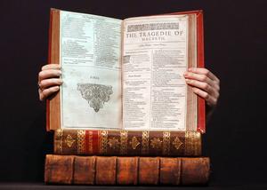 Ett exemplar av William Shakespeares samlingsverk