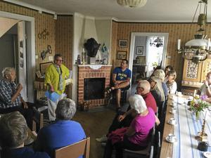 Birgit Lundgren berättade om Sothåls-Lars och hans liv i Trönö.