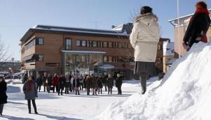 Manifestationsdeltagarna samlades på Postplan i Ljusdal.