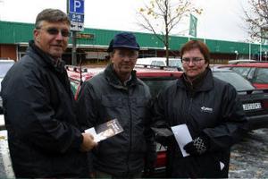Stiven Wiklund och Annika Kallin fick medhåll av Karl-Erik Dunder när de partade yttrandefrihet i Ånge på onsdagen.