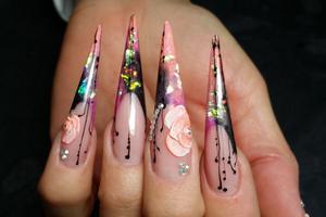 De här naglarna gav en fjärdeplats i grenen Stiletto på Nailympia i London.