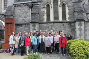 Älvdalens kyrkokör vid körens besök i Dublin. På söndag bjuder kören tillsammans med Älvdalens spelmanslag på