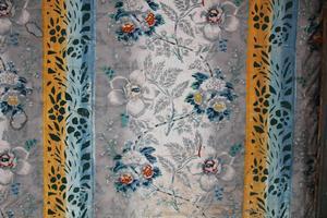 Festsalen på Bommars från 1848 har karaktäristiska tapeter med schabloner.