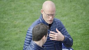Joel Cedergren i samspråk med Ferran Sibila under matchen mot Reus Deportiu.