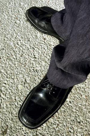 Inte alla kan gå till skoaffären att köpa ett par skor.