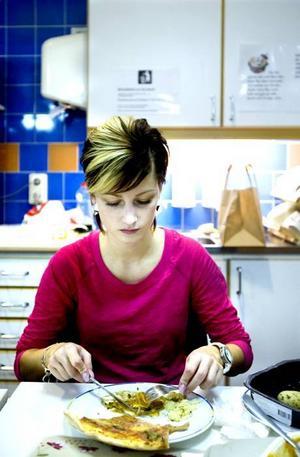 FÖREDRAR KÖTT. Suzana Pranjic, 21 år har sällan med sig matlåda till jobbet.