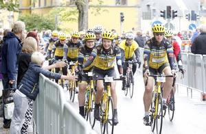 Team Rynkeby har precis som Ride of Hope flera klungor som kör till förmån för Barncancerfonden. I det här gänget kom de flesta från Borås.