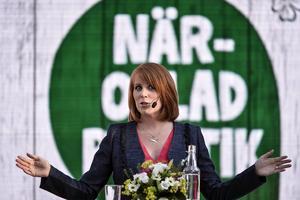 Annie Lööf och Centerpartiet spelar en nyckelroll inom borgerligheten när det gäller migration.