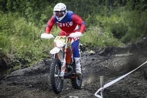 Krokoms Björn Eriksson pressade sig själv och sin KTM till seger i den äldre motionsklassen.