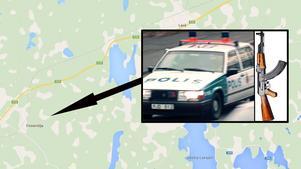 Enligt vittnet viftade en av de falska poliserna med en Kalashnikov.