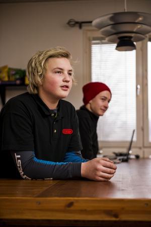 Max Eriksson och Erik Sjöberg går båda i nian på Bredbynskolan.