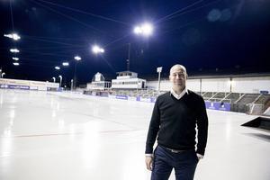 Johan Kruse njuter av tillvaron i Falu BS. Friheten som konkursen innebar har gjort jobbet mycket roligare, säger han.