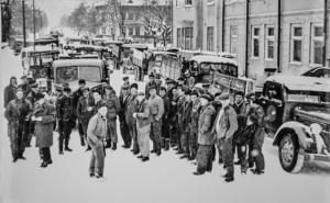 Snösvängen från år 1957 samlades på Norra Järnvägsgatan i Sundsvall.