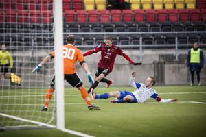 Rasmus Lindkvist hade flera fina framstötar på högerkanten i första halvlek. Efter paus fick han gå ner som vänsterback men fortsatte att vara en bra ingrediens i ÖFK-offensiven.