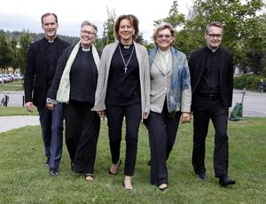 Samtliga fem vill gå hela vägen fram till biskopstjänsten. Från vänster Sven Hillert, Uppsala, Eva Nordung Byström, Örnsköldsvik, Cecilia Nyberg, Täby, Ninni Smedberg, Härnösand och Göran Lundstedt, Sundsvall.
