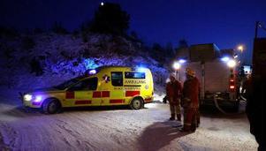 En 29-årig man fick livshotande brännskador och skulle under gårdagskvällen flygas till Uppsala.