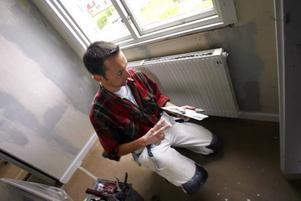 David Lidström är en av de hantverkare som fått mer jobb sedan ROT-avdraget infördes vid nyår.
