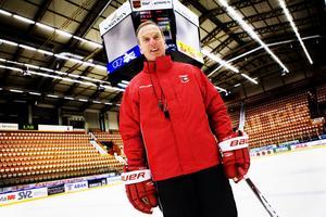 Som huvudtränare var Tommy Andersson i vintras med och höll Timrå IK kvar i Elitserien. Nu föreslås han bli ordförande i klubben.