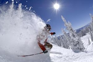 Colorado får omkring fyra meter snö per år. I Steamboat Springs är den så lätt och fluffig att den kallas