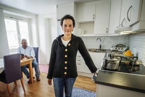 – Lägenheten är jättefin. Det känns otroligt skönt att ha fått något eget, säger Lorena